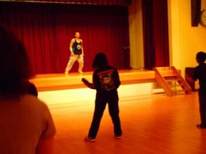 同じく町内のダンス教室で技を磨く井上さん