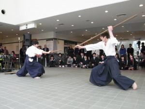 岡山県に伝わる「竹内流」の棒術。