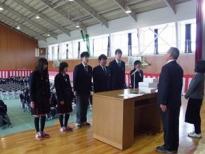 特別功労賞(左から、徳久さん、八木さん、河上くん、亀谷くん、松田くん、海野さん)