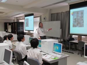 理学部の応用数学科研究室の見学。