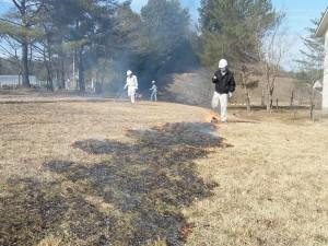 火の玉を引っ張っていくと火が自然に風にのって広がっていきます。
