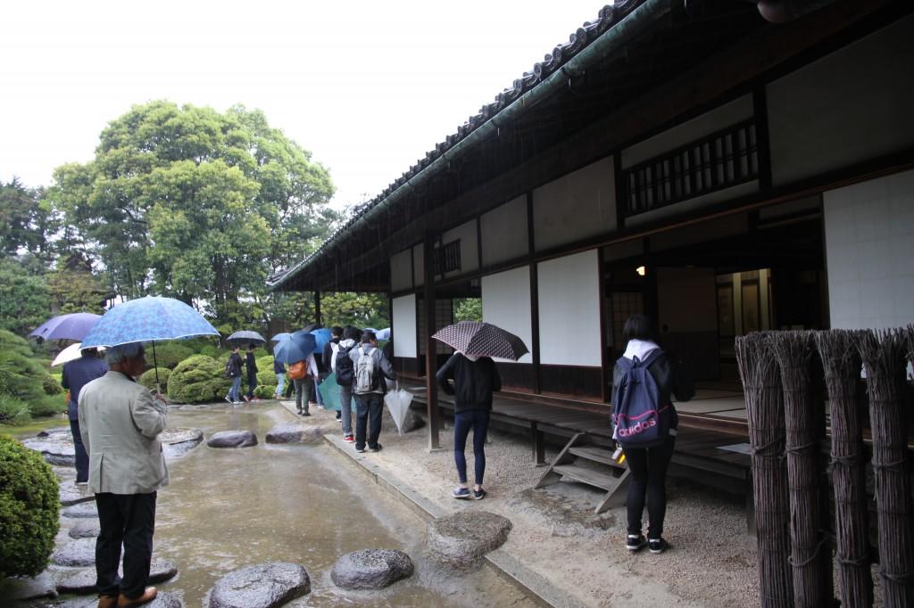 旧野崎家を見学。