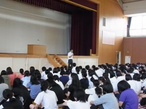 吉岡生徒指導課長より、夏休み中の注意事項伝達(アルバイトについて、自転車での事故防止などど)