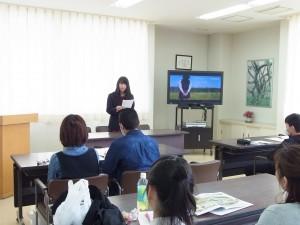 生徒代表からも本校の特徴などを説明。