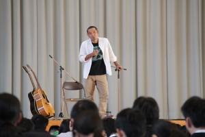 長崎県出身の森先生は「長崎弁」で伝えます。