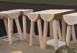 作品例:檜のベンチ。