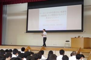 筒井先生による講演会。