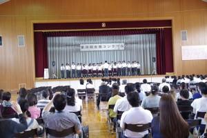 2年C組とD組の合同チーム、曲「あなたに」。