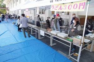 PTA模擬店(うどんは本日完売!)。