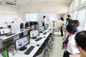 情報システムコース(情報処理実習室)。