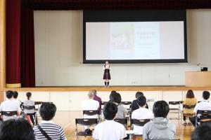 生徒代表より本校の紹介や体験談。