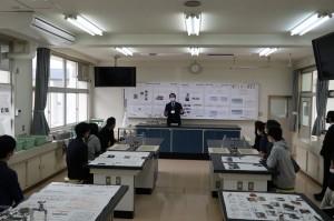 キャリアデザインコース(理科実験室での説明)
