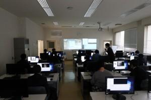情報システムコース(動画ソフトで編集)。