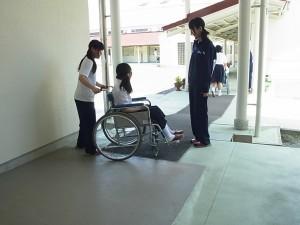 福祉ボランティアコース(車椅子体験)