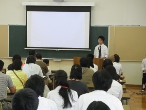生徒代表者からも「寮行事」などの説明を。