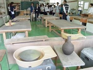 陶芸デザインコース(3年生が説明)