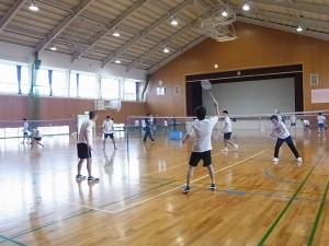 健康スポーツコースでの体験授業(競技)の様子(バスケット、卓球、バドミントン)