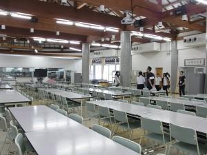 寮の大食堂の見学