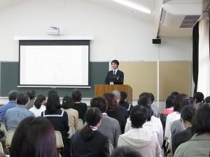 本校の生徒代表からも学校の特徴などを説明