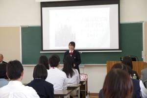 生徒の代表からも本校の紹介(生徒会執行部の生徒)
