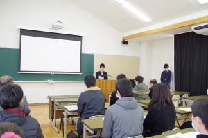 生徒会執行部副会長からご挨拶と体験談。