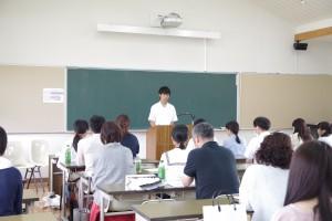 生徒を代表して生徒会執行部の生徒より高校生活体験談など。