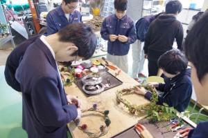 緑化システムコース(カズラ等植物を使ったクリスマスリースづくり)