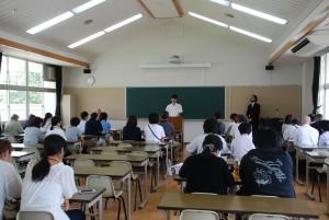 生徒代表からご挨拶と体験談。