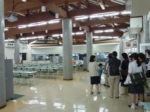 大食堂の見学。