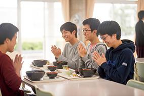 山崎くん昼食